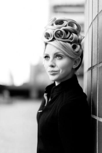 retro-Nouvelle-vintage-makeup-hairstyle