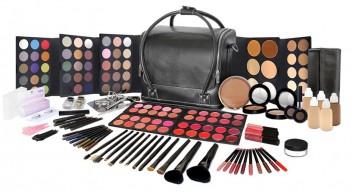 attrezzatura-makeup-kit