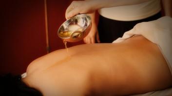 ayurveda massage-massaggio