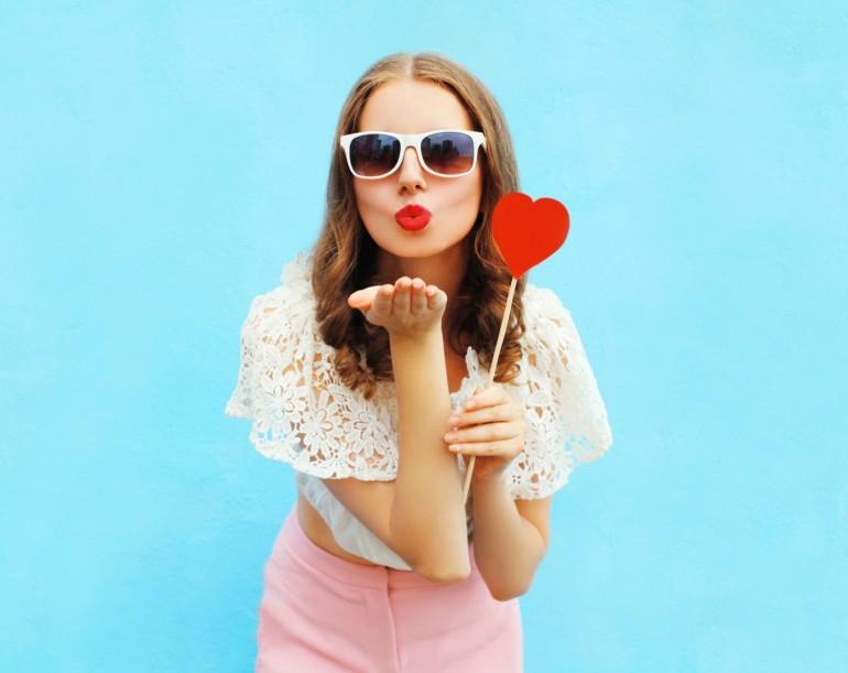 bacio-labbra-rossetto