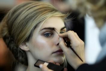 backstage-eyebrows-sopracciglia-fashion