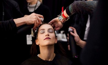 backstage-fashion-hair-capelli-makeup-trucco