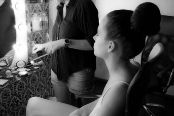 backstage-fashion-trucco-makeup-acconciatura-hairstyle