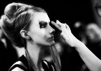 backstage-makeup-fashion-glam-hairstyle
