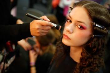 backstage-makeup-trucco-fashion-moda-nouvelle