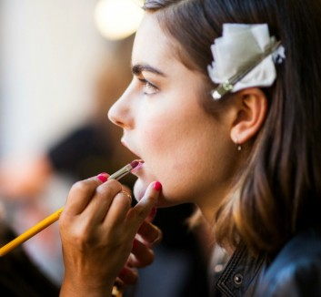 backstage-makeup-trucco-sfilata