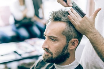 bearded-barba-uomo-man-taglio-haircut-barbering