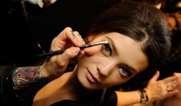 beauty-makeup-backstage