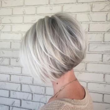 biondo-chiaro-bright-blonde-caschetto-bob