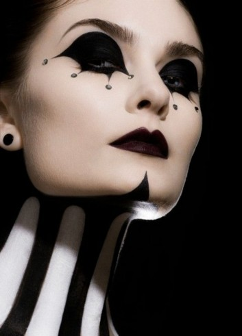 carnival-make-up-white-black-evil-queen