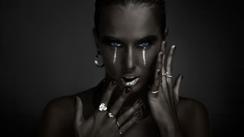 dark-beauty-fashion-makeup