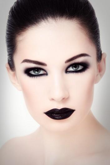 dark-makeup-trucco-nero-lips-labbra