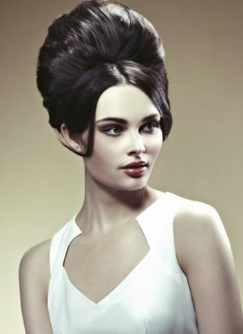 fashion-retro-70-hairstyles-vintage-woman