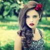 glamorous-large-fishtail-coda-capelli-makeup-trucco-vintage