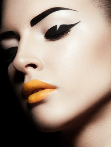 graphic-makeup-trend-trucco