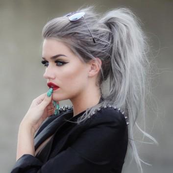 grey-hair-capelli-grigio-makeup-trucco
