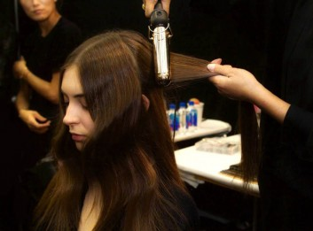 hair-capelli-backstage-fashion-moda