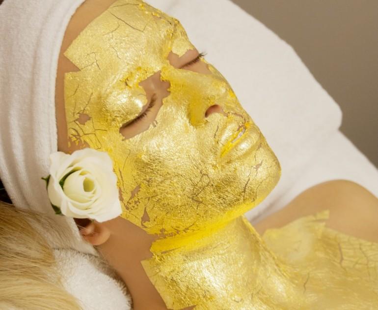 maschera-viso-trattamenti-oro-beauty-bellezza