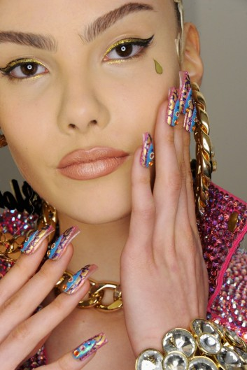 nails-backstage-fashion
