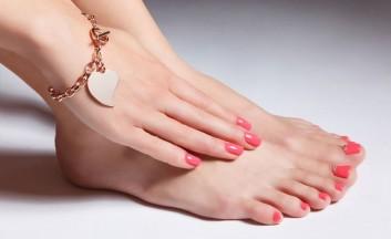pedicure-estate-smalto-piedi