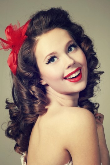 pinup-makeup-retro-hair-vintage