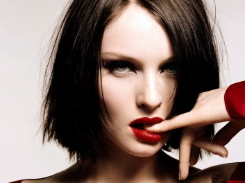 red-lips-lipstick-rossetto-rosso-makeup-trucco