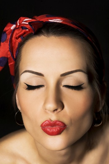 retro-40s-makeup-beauty-vintage