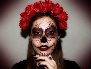 santa-muerte-makeup-face-painting-halloween