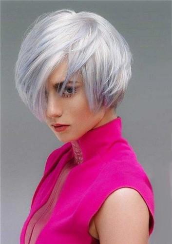 short-corto-hairstyle-caschetto-grigio