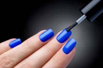 smalto-semipermanente-ricostruzione-unghie-manicure