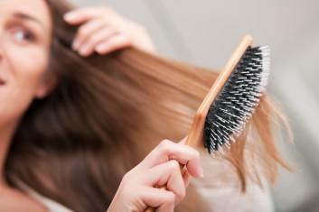 spazzolare-capelli-brushing