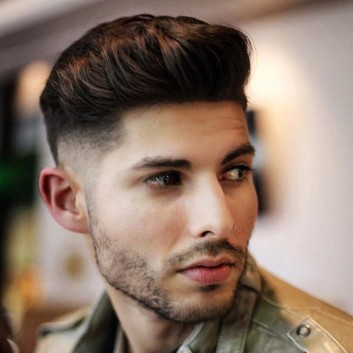 aglio-uomo-sfumatura-low-fade-haircut-medio-medium-length-natural-hairstyle