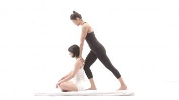 thai-massage-massaggio-yoga