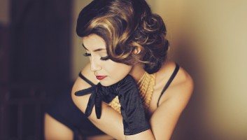 woman-donna-makeup-trucco-retro-vintage-hair-acconciatura