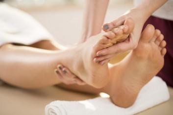 zen-shiatsu-massage-massaggio-foot-piede-nouvelle-esthetique-academie
